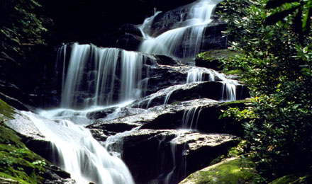 Enjoy the Awe-inspiring scenery of the Appalachian Mountains