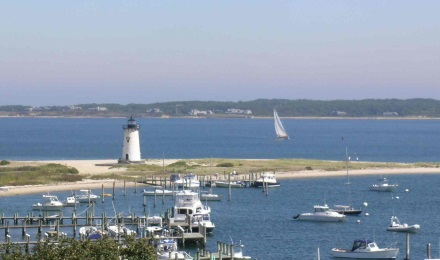Visit the famous getaway island of Marthas Vineyard