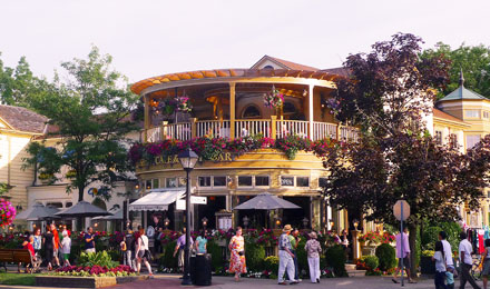 Shopping and Dining in Niagara on the Lake