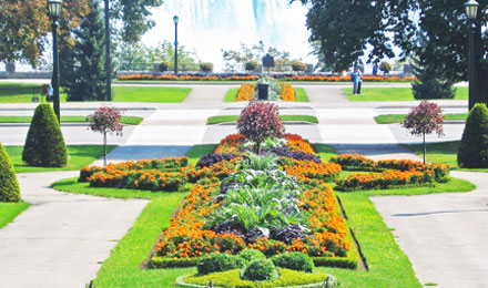 Queen Victoria Park in the Heart of Niagara Parks
