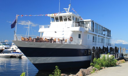 Enjoy a Dinner Cruise on Lake Champlain
