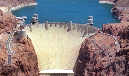 Larger than the Great Pyramid of Cheops-Discover the Magnificent Hoover Dam